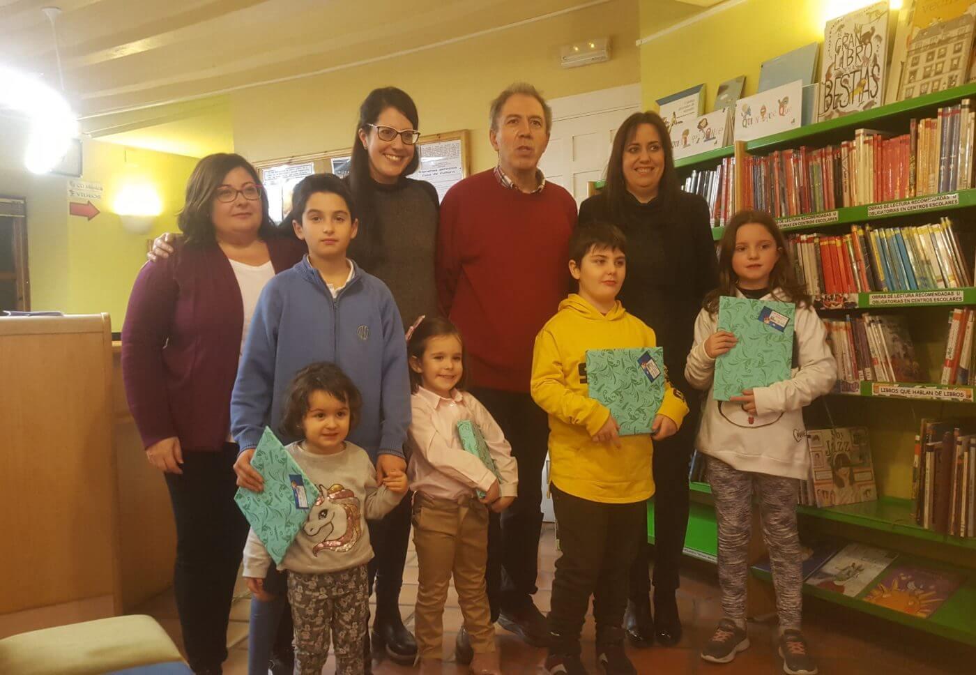 La Biblioteca Municipal entrega los premios de la campaña navideña de fomento de la lectura