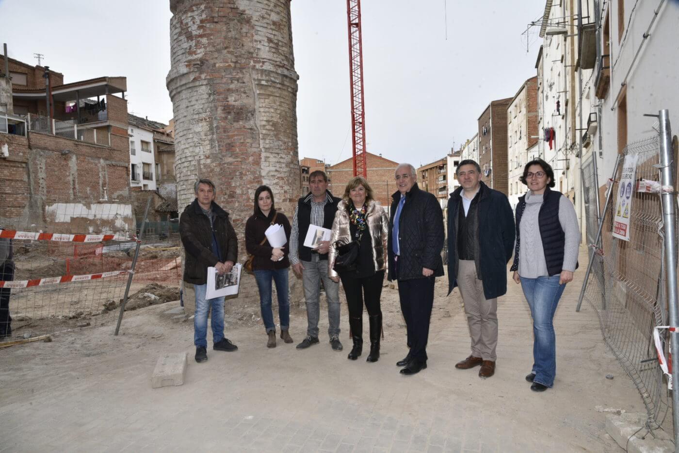 José Ignacio Ceniceros visita las obras de construcción del auditorio municipal de Autol