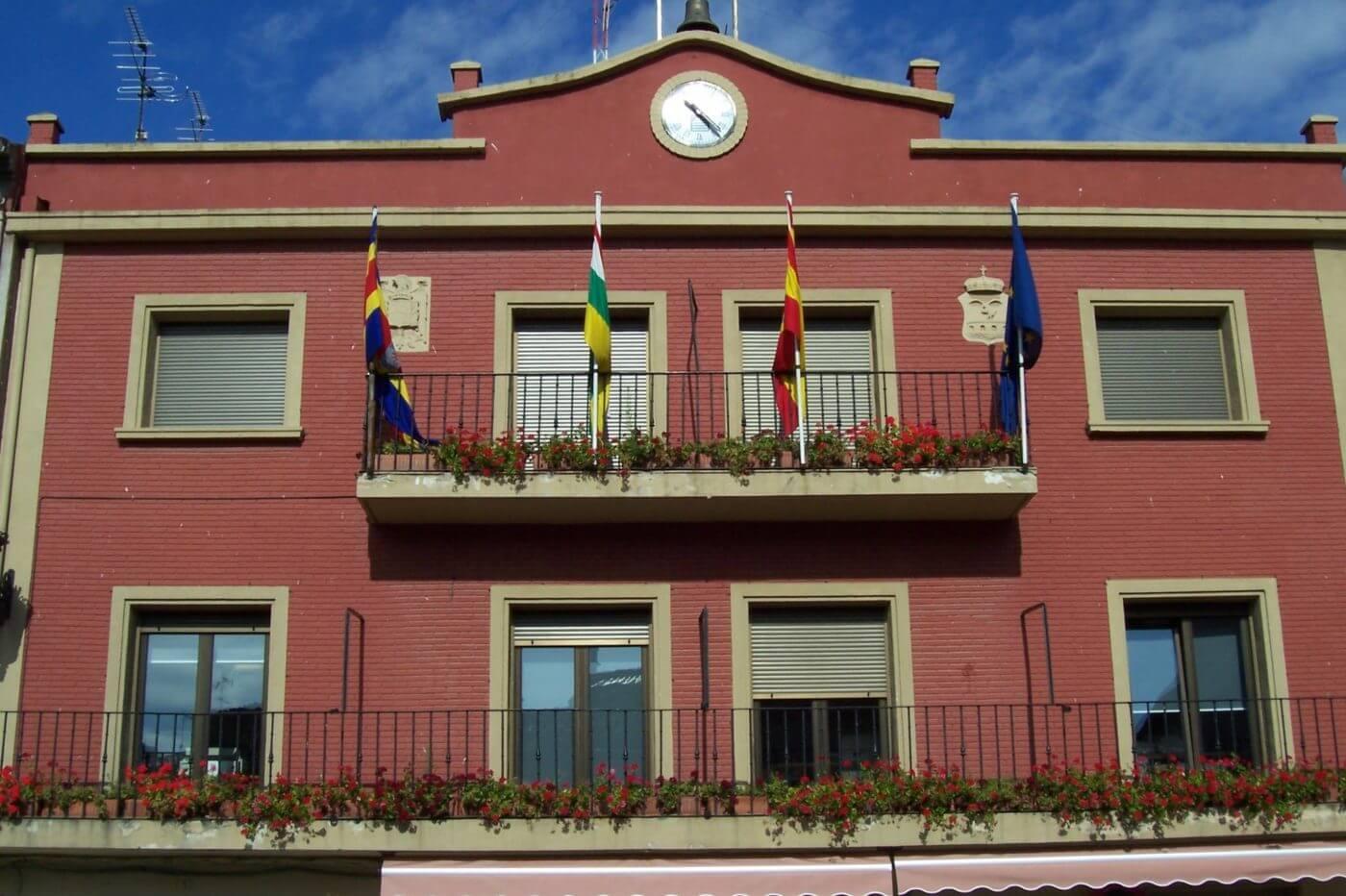 El Ayuntamiento de Autol aprueba un presupuesto de 4,7 millones de euros para este año