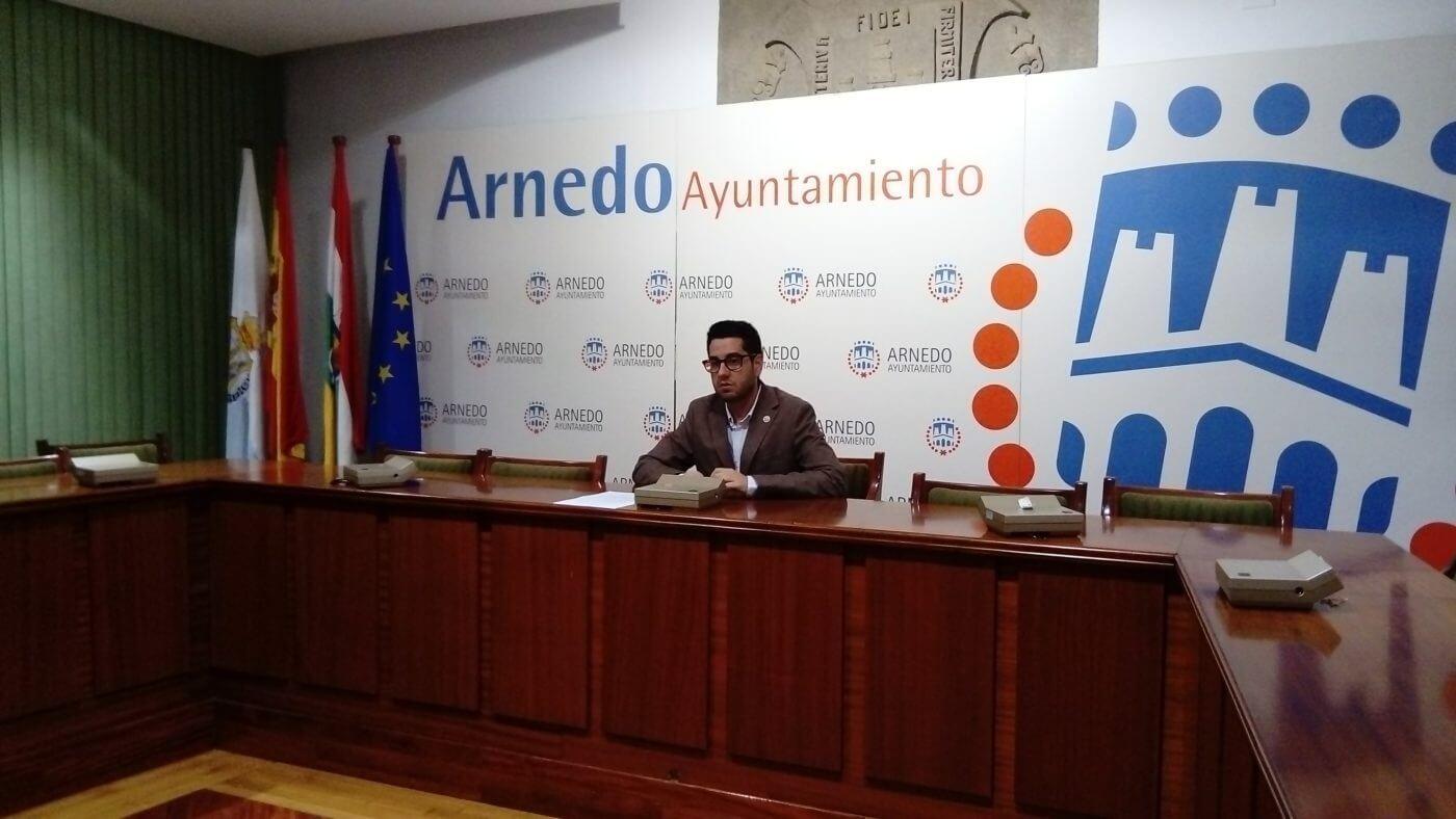 La Junta de Gobierno del ayuntamiento de Arnedo aprueba convenio para la financiación de los trabajadores sociales
