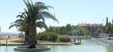 El ayuntamiento de Calahorra estudia una solución a la fuga de agua de la fuente de la plaza Víctimas del Terrorismo