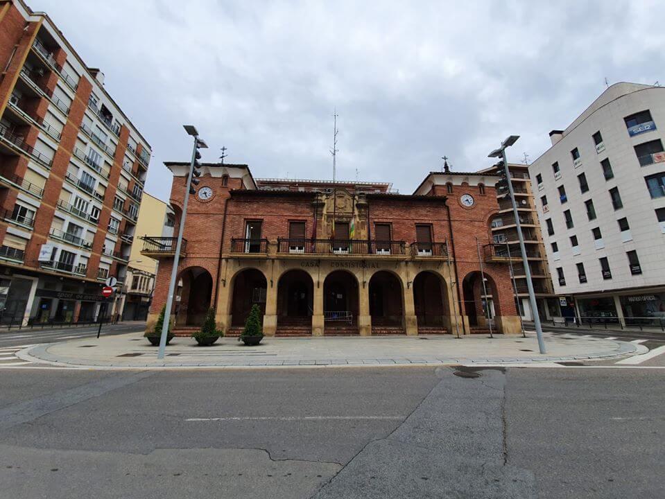 El Ayuntamiento de Calahorra aumenta la partida de becas escolares para cubrir todas las solicitudes que cumplen los requisitos