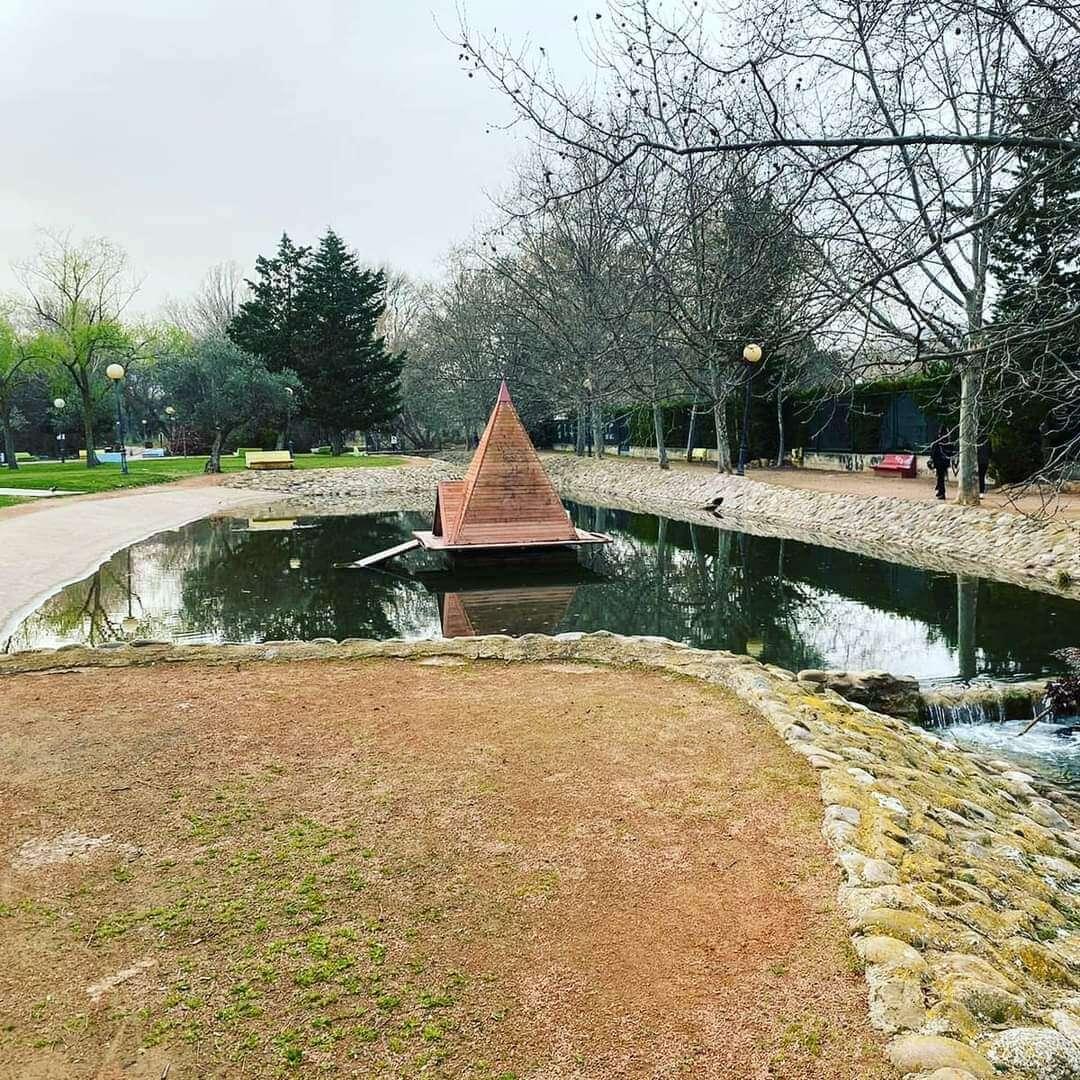 Regresa el agua al estanque de los patos en el parque del Cidacos una vez finalizadas las obras de Mabad en Arnedo