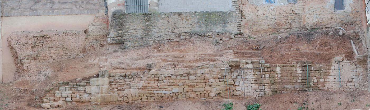 El hallazgo de contrafuertes obliga a modificar el proyecto de la muralla de Juan Ramos en Calahorra