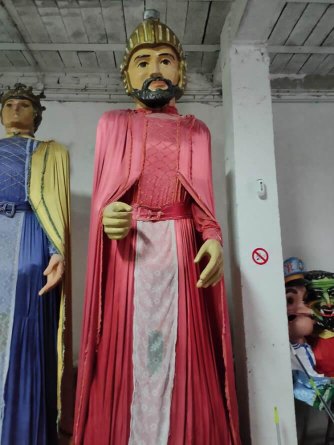 La Junta de Gobierno Local de Calahorra aprueba contratar la restauración de los gigantes de los años 70 y 80 por 24.866 euros