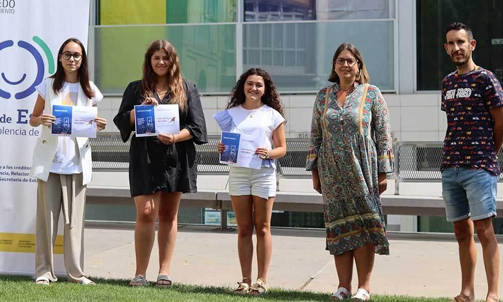 """Lee más sobre el artículo Las jóvenes Martina Sáenz, Laura Ezquerro y Lucía Moreno, premiadas en el """"I Concurso de Tik-Tok 'Arnedo por la igualdad'"""""""