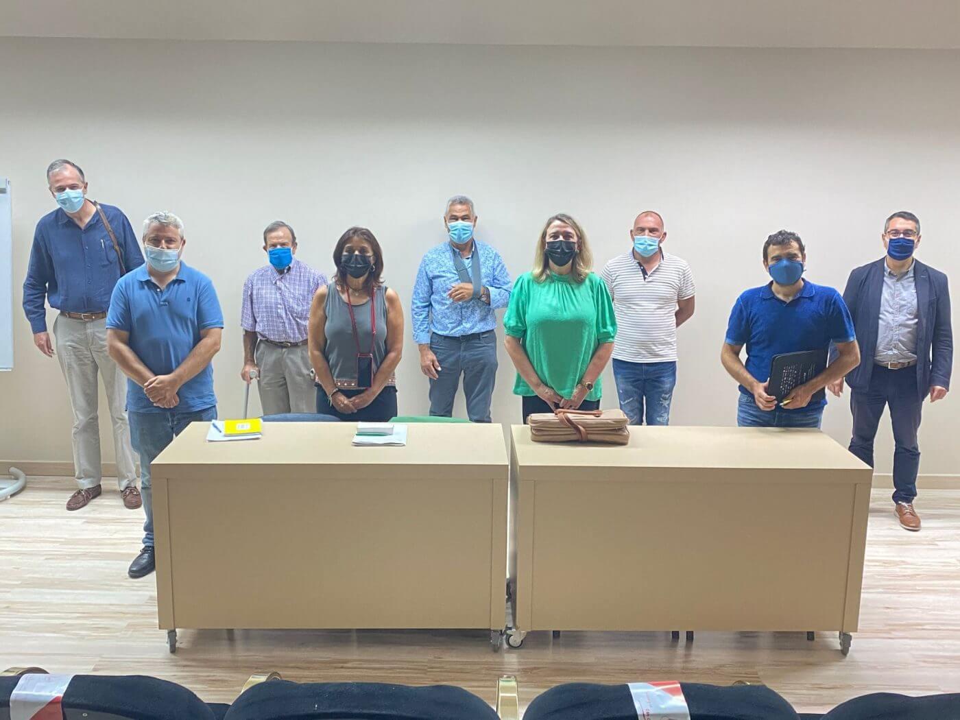 Lee más sobre el artículo Hita se reúne con la Comunidad de Regantes Mabad-Arnedo para impulsar la modernización del regadío