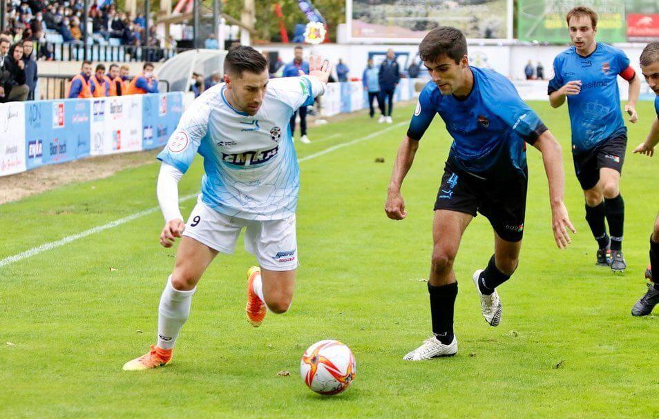 Lee más sobre el artículo El CD Arnedo jugará el domingo 10 de octubre contra el Vianés tras empatar a cero contra el Agoncillo en 'Sendero'