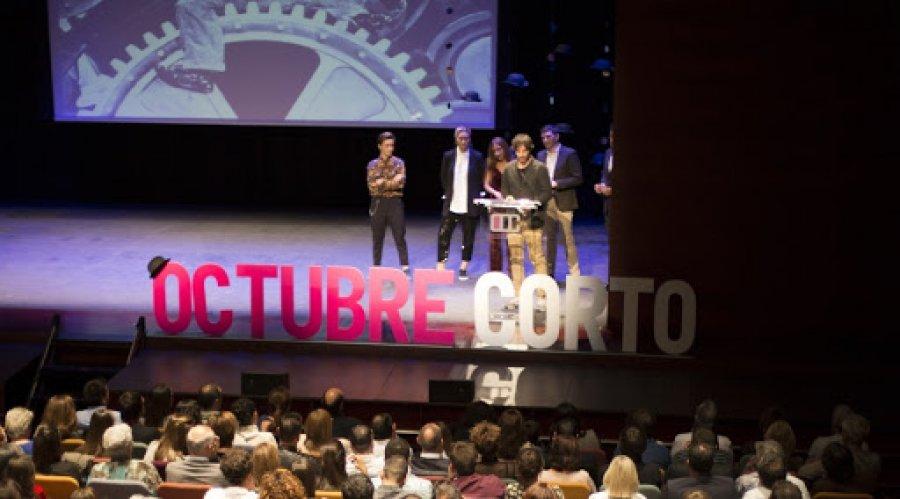 OCTUBRE CORTO entrega premios