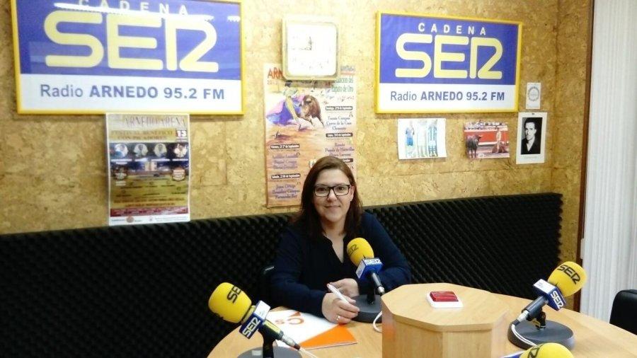 VIRGINIA DOMINGUEZ 02 radio