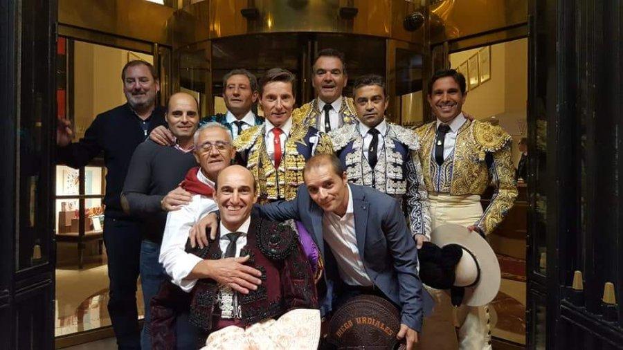 DIEGO URDIALES SALIDA HOMBROS MADRID cuadrilla
