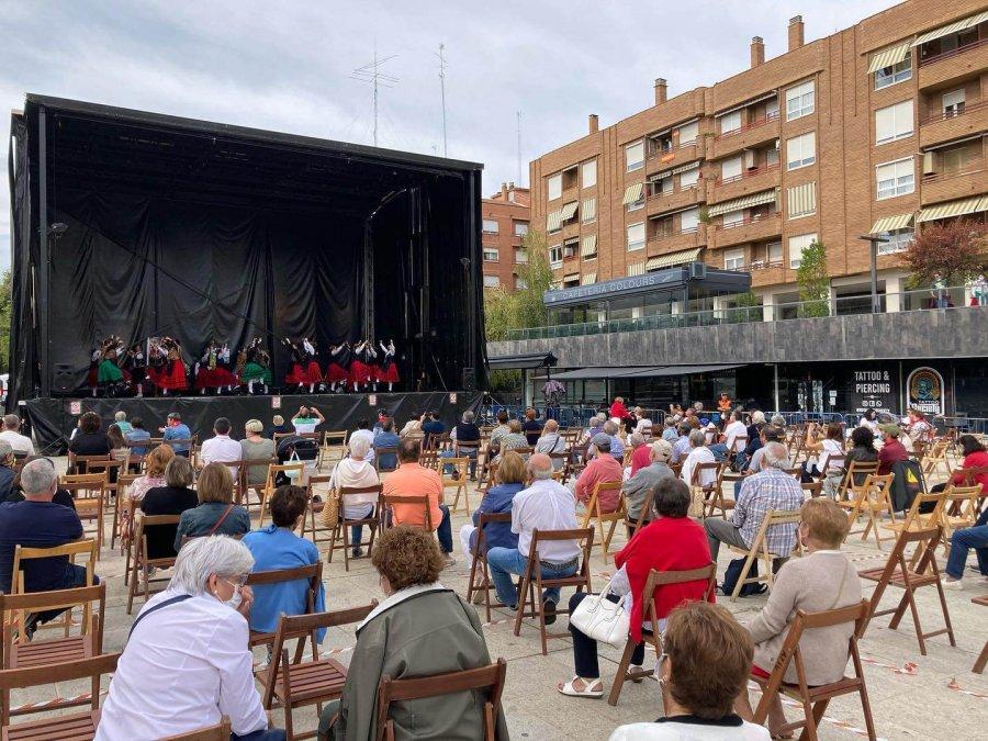 FIESTAS ARNEDO bailes regionales plaza España
