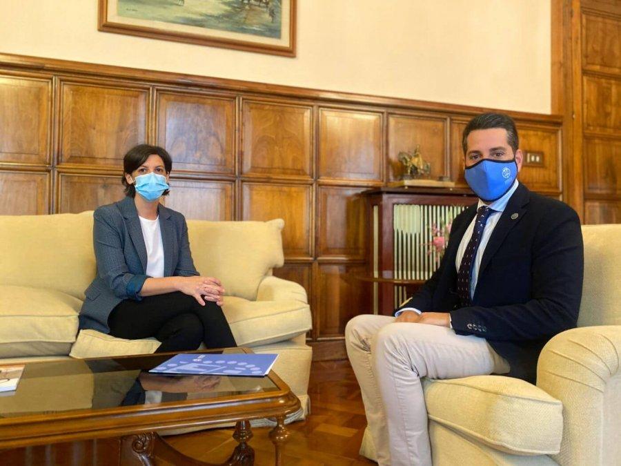 ALCALDE reunion con delegada Gobierno pre nofiestas