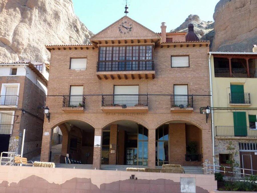 QUEL fachada ayuntamiento
