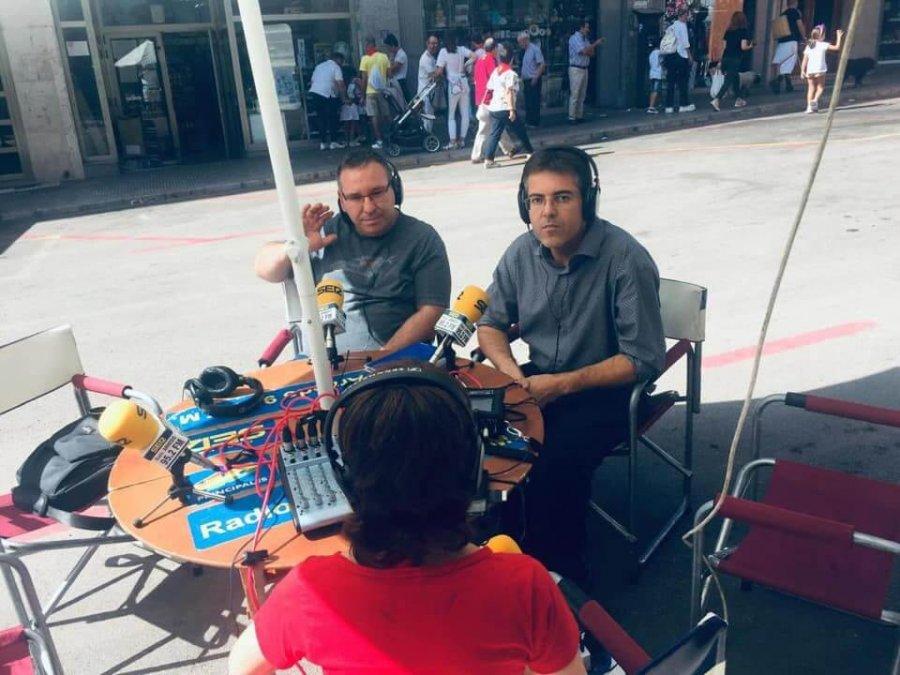 SACERDOTES JOSÉ LUIS HNDEZ Y PARROCO fiestas radio